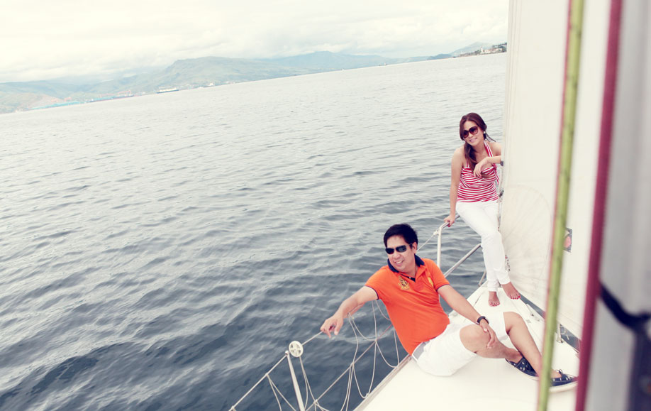 Subic lighthouse prenup